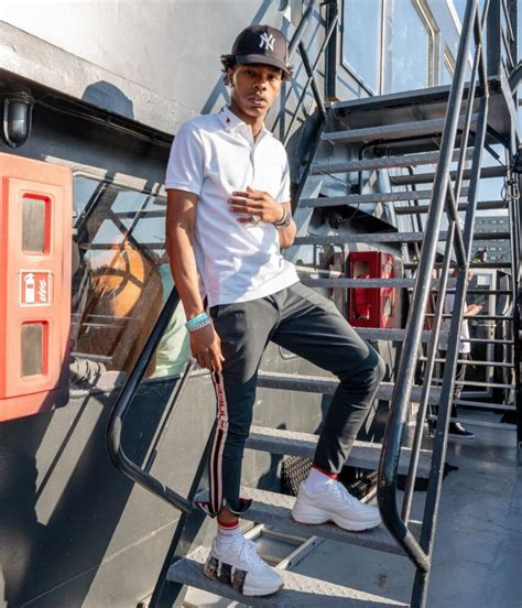 Lil Baby Shares Inspirational Post On IG Wearing an All